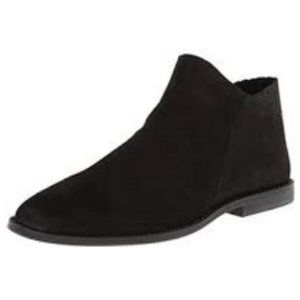 Kenneth Cole Reaction VIN WIN Black Booties